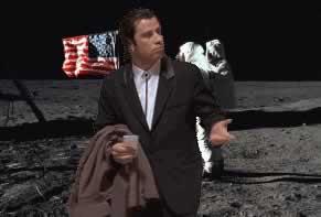 john-travolta-sulla-luna